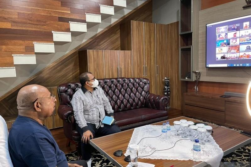 Gubernur-Lukas-minta-PB-PON-Papua-teliti-dalam-administrasi-keuanga.jpg