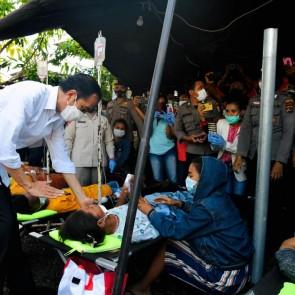 Temui Pengungsi di Adonara, Presiden: Tetap Jalankan Protokol Kesehatan